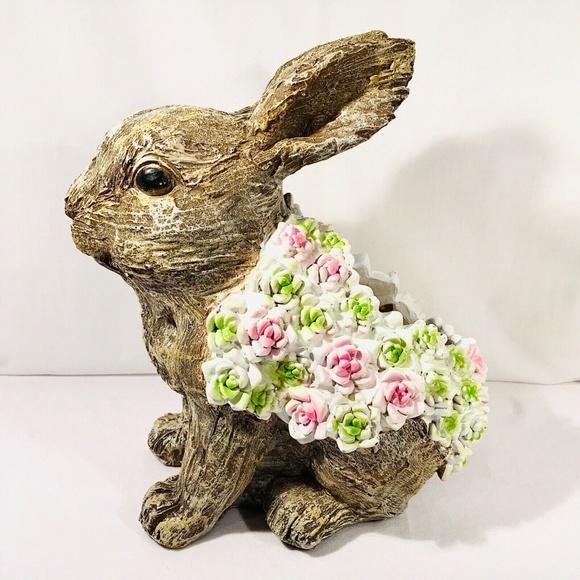 Garden Planter Pot Cute Snail Textured with Flower Blanket